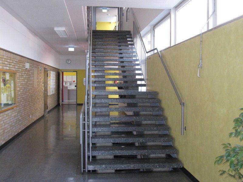 4-Eingangsbereich-Altbau-neu