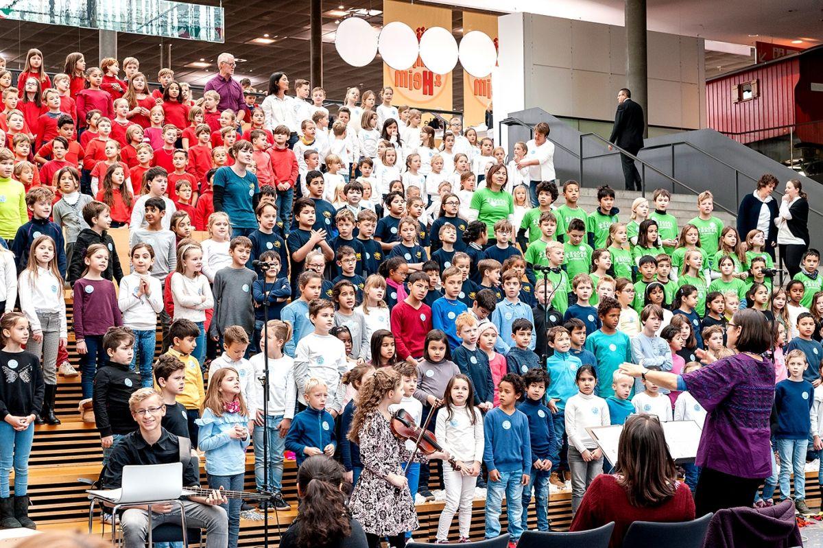101-Stiftung-Singen-mit-Kinder-2018-11-221