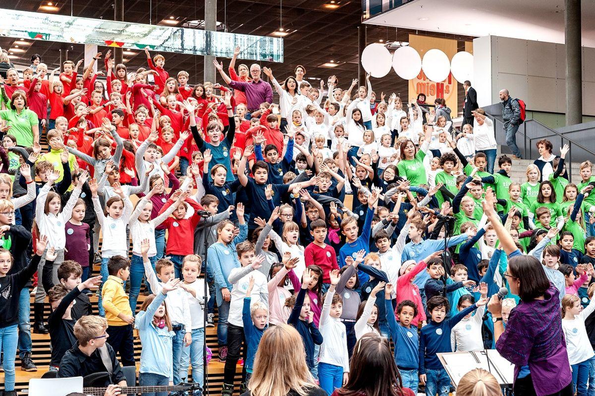 169-Stiftung-Singen-mit-Kinder-2018-11-221