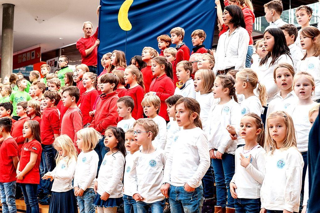 214-Stiftung-Singen-mit-Kinder-2018-11-221
