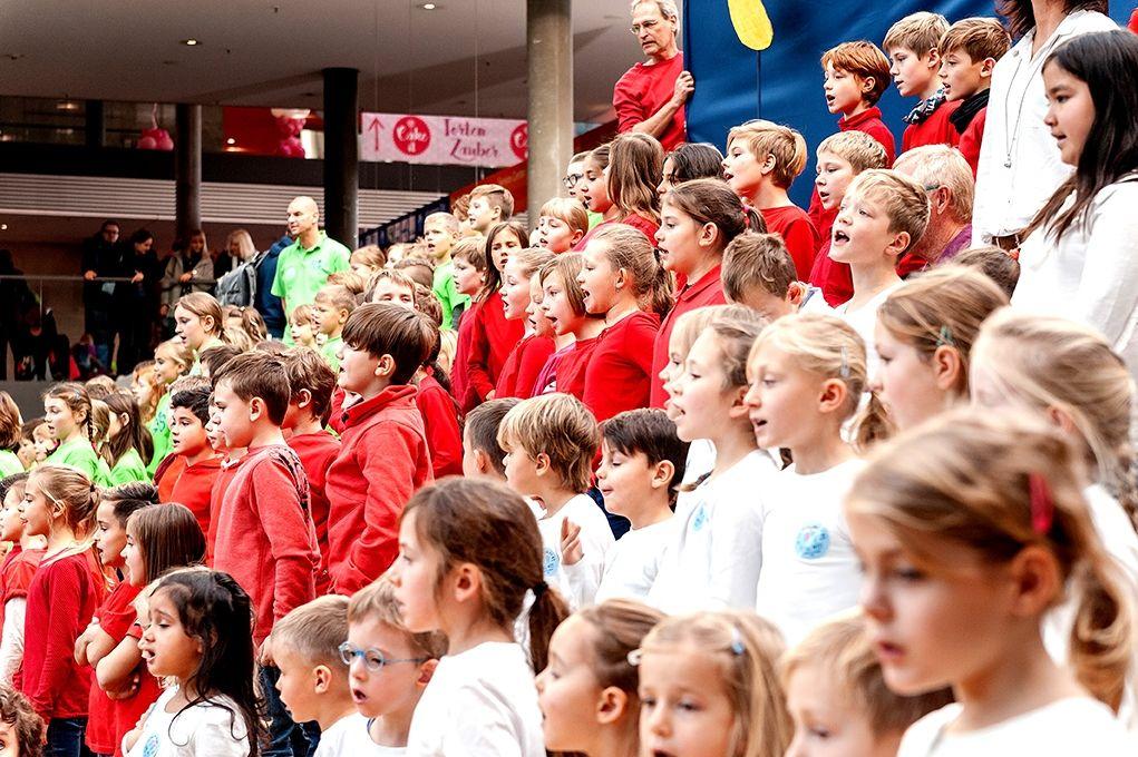 224-Stiftung-Singen-mit-Kinder-2018-11-222