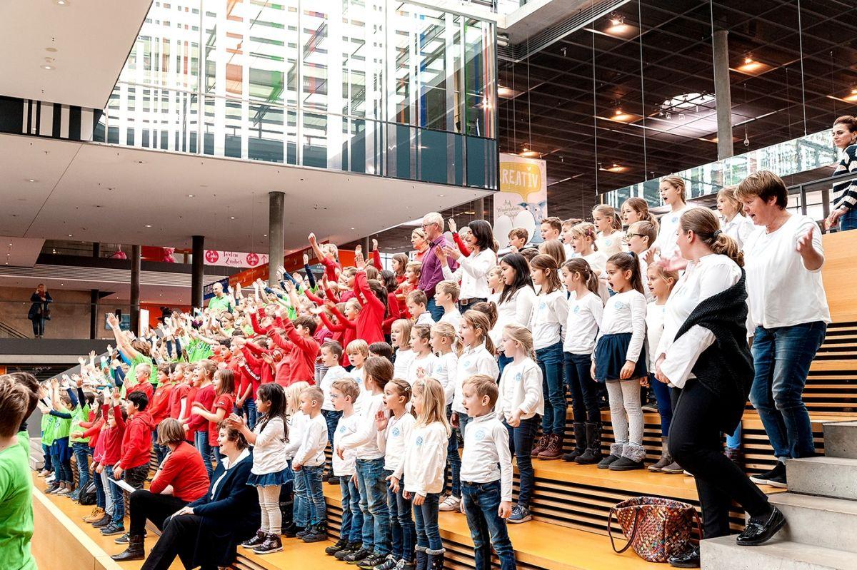 34-Stiftung-Singen-mit-Kinder-2018-11-221