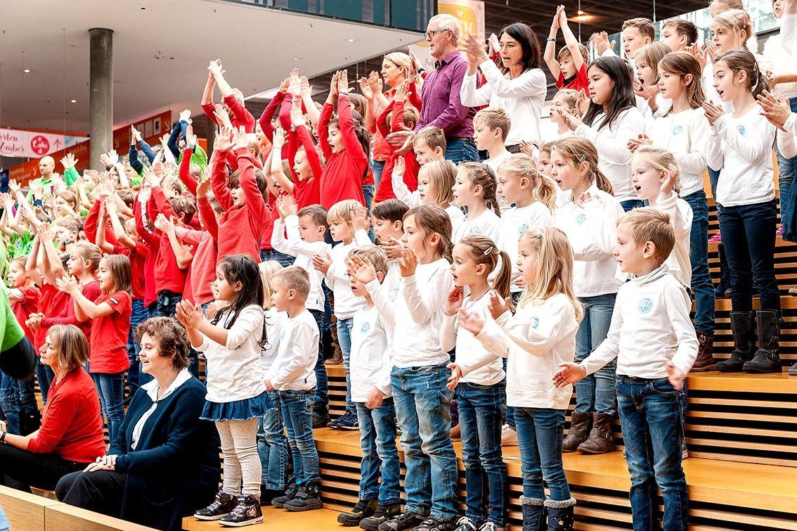 39-Stiftung-Singen-mit-Kinder-2018-11-221