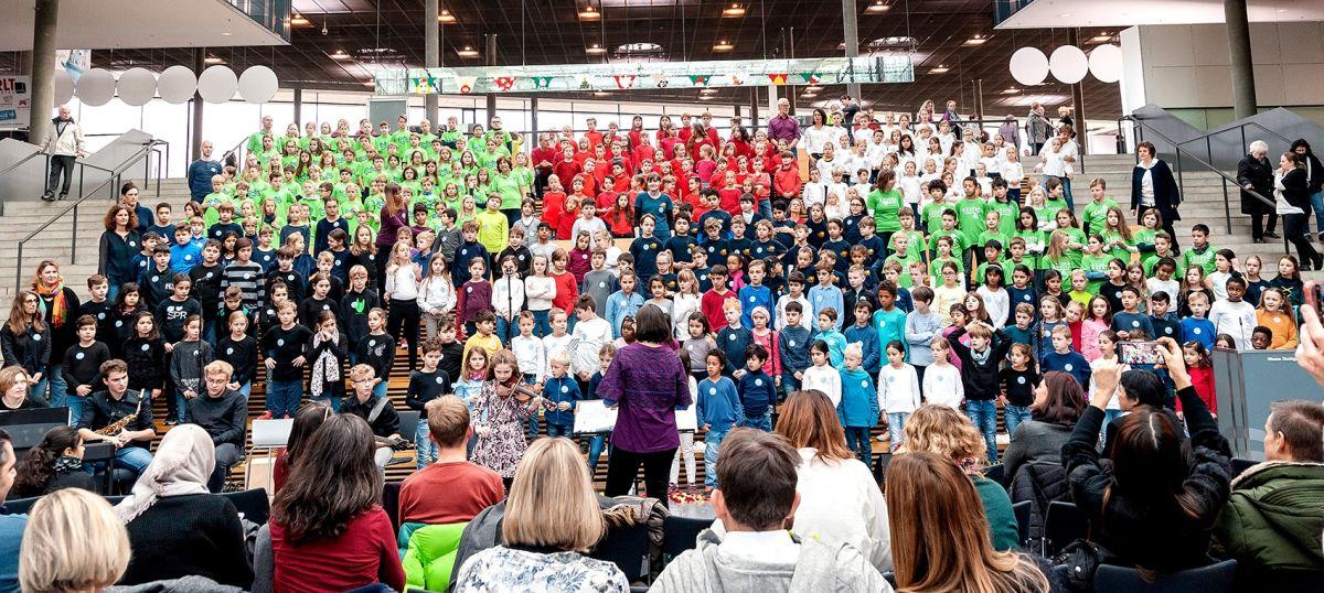 91-Stiftung-Singen-mit-Kinder-2018-11-221